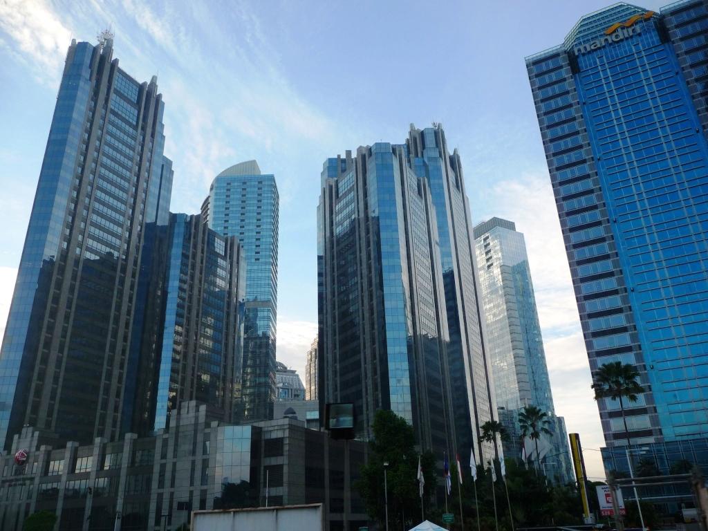 Indonésie Java Jakarta capitale ville centre downtown tours towers Au coeur du quartier d'affaires de Jakarta, le SCDB (Sudiman central business district)