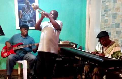 Concert au domicile de jazzmen réputés dans la township de Gugulethu