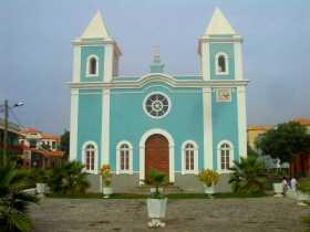 Afrique Cap Vert Fogo volcan L'église Notre Dame de la Conception au centre du vieux bourg de Sao Filipe
