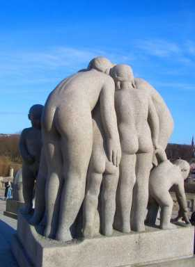 Norvège Oslo Parc Vigeland des corps nus partout dans le parc