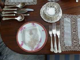 Malte La Valette aristocratie musée histoire famille Faïences, argenterie et vieilles dentelles, la table très aristocratique de la Casa Rocca Piccola à La Valette