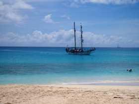 mer émeraude et ciel azur, le quotidien de Saint-Martin aux Caraïbes françaises (Antilles)