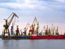 Roumanie Constantza port Enchevêtrement de vieilles grues dans le port de Constantza en Roumanie