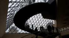 Nuit des musées 21 mai L'entére du Musée du Louvre sous la pyramide de verre