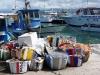 On devine le nom de l'embarcation de pêche : Makarios, l'ancien évêque président du pays (Latchi, Akamas, Chypre)